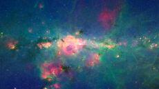 Monstrualne galaktyki z wiekiem tracą apetyt