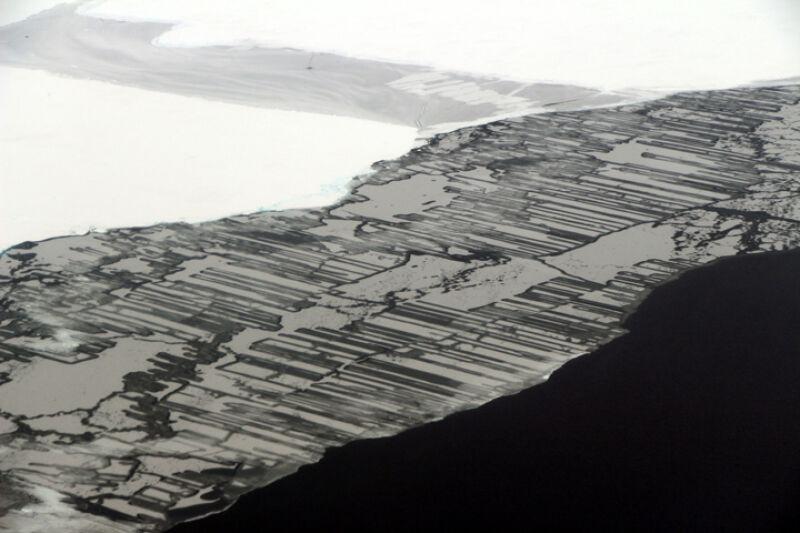 Zazębiające się bryły lodu (NASA/John Sonntag)